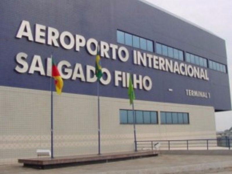 TRANSFER PRIVATIVO DE HOTÉIS DE CANELA PARA O AEROPORTO DE PORTO ALEGRE - RS (OUT)